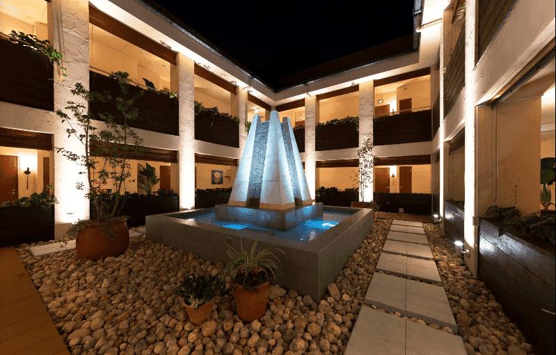 ホテルLOTUS