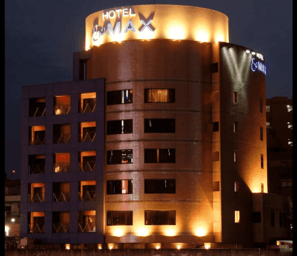 ホテルアンドマックス