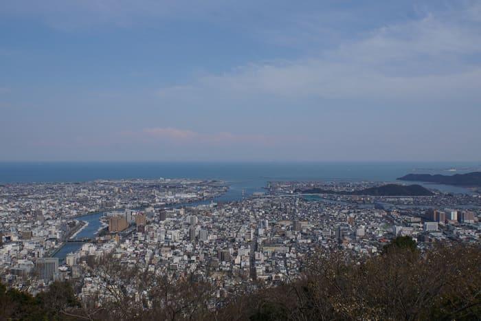 眉山山頂からの景色